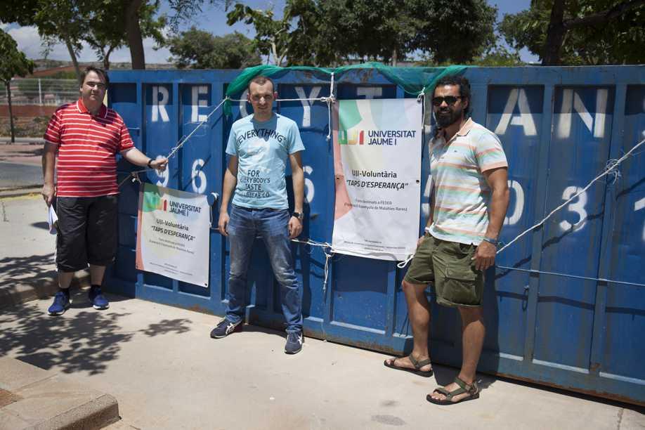 Recogida de tapones de la UJI para Stop FMF